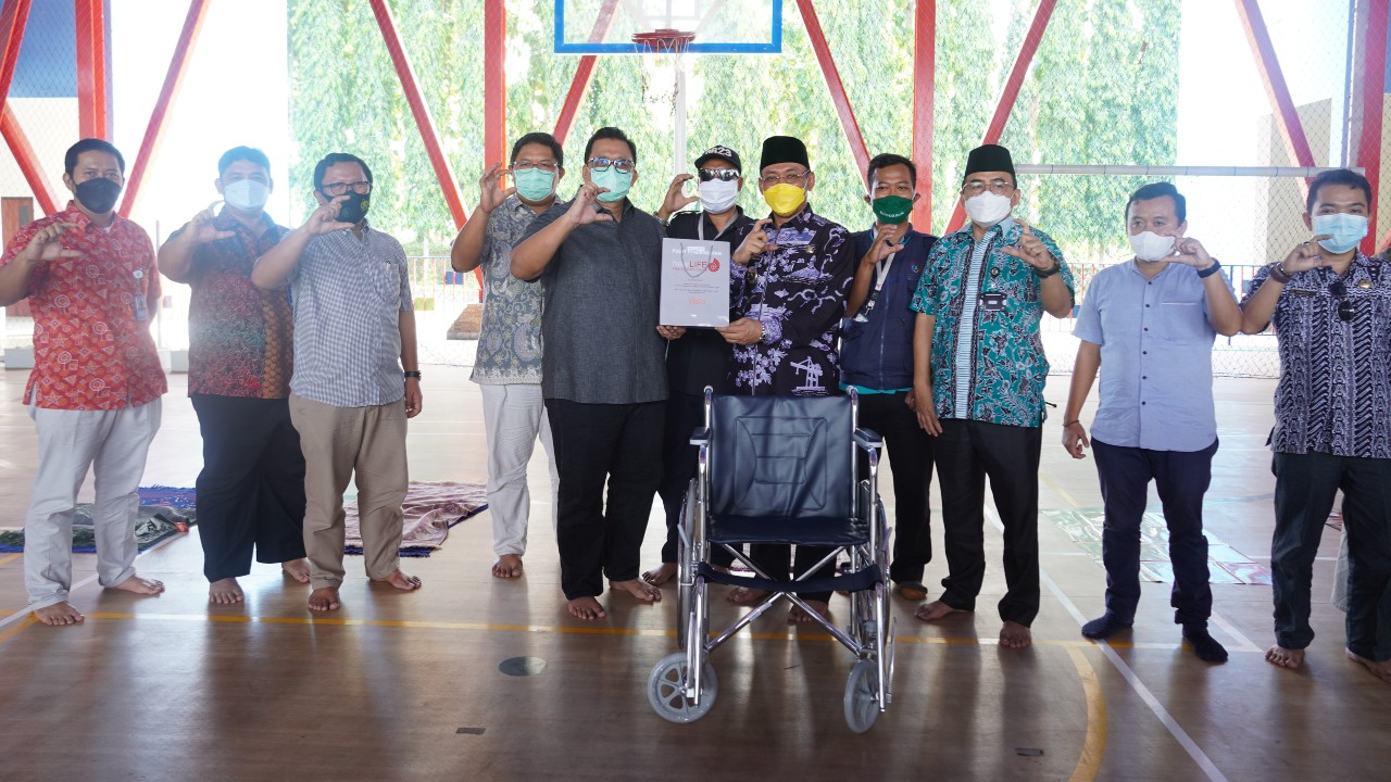 Special Ramadhan, PT KTI Bagikan Alat Bantu Bagi Penyandang Disabilitas