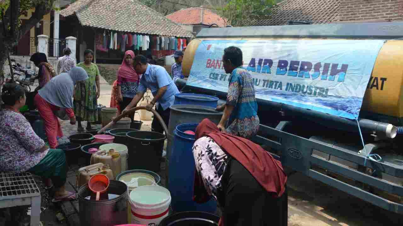 PT Krakatau Tirta Industri Optimalkan Bantuan Air Bersih Selama Musim Kemarau